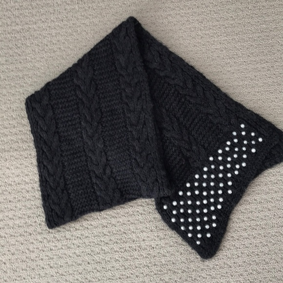 Zara black cable knit scarf with pearl detail